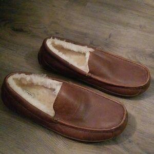 Men s Ugg House Slippers on Poshmark 8537ee656